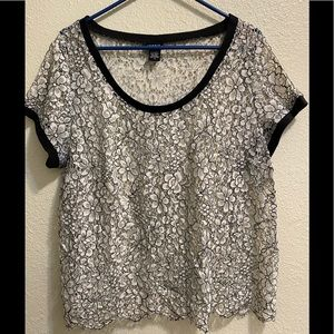 TORRID black and white lace top